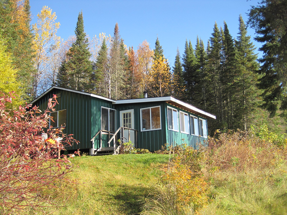 Remote fishing cabin on slate lake ontario canada for Lakes in bc with cabins